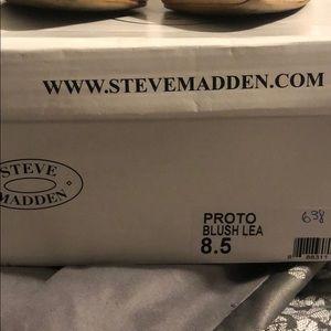 Steve Madden Shoes - Steve Madden nude heals